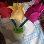 Arte & Cultura - Tulipas de origami ...Tulipas de origami  assista ao vídeo e aprenda a fazer !