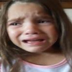 Humor - Menininha chora porque quer ser negra