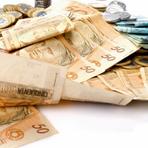 Dinheiro - Bancos aumentam juros mesmo após BC parar de elevar a taxa
