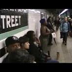 "Música - Ela canta ""Halo"" da Beyoncé no metrô de Nova Iorque de forma genial!"