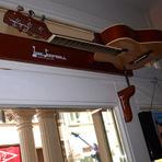 Produtos - O violão com função campainha