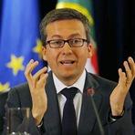 Portugal - • A política tuga trocada por miúdos