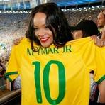 Rihanna quer comprar time de futebol, após ter vindo ao Brasil