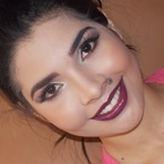 Modelo de um curso de maquiagem