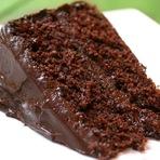 Bolo chocolate fofinho e cremoso