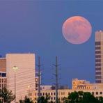 Espaço - Lua cheia deste domingo deve ser a mais bonita dos próximos 20 anos