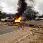 Protesto contra a demolição do Portal em Eldorado-SP