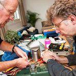 Meio ambiente - Voluntários consertam produtos de graça para protestar contra a obsolescência programada