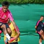 Neymar faz treino integral e deve voltar logo ao Barcelona