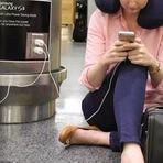 """Samsung """"zoa"""" Apple em anúncio."""