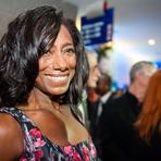 Celebridades - Primeira repórter negra da televisão brasileira completa 65 anos