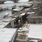 Palafitas às margens do Rio Capibaribe é uma vergonha
