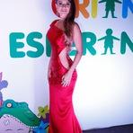 Celebridades - Paula Fernandes usa vestido ousado sem calcinha no Criança Esperança