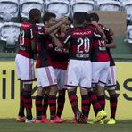 Flamengo derrota o Coritiba e sai da zona do rebaixamento