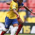 Vasco assina contrato profissional da joia Evander, destaque da seleção Sub-17