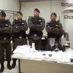 Família é detida com mais de 4.500 pinos de cocaína dentro de casa em BH