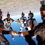 Esportes - Paraquedista da Blunt participa de quebra de recorde em Head Down