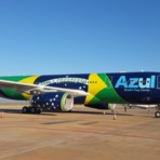 Turismo - Azul recebe segundo A330-200 com bandeira do Brasil na fuselagem