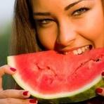 Três alimentos que não podem faltar na geladeira no verão