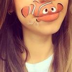 Pintando personagens nos lábios
