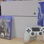 Lançamento do Playstation 4 Branco