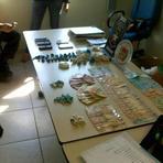 Design - DIC manda nove pra cadeia e apreende renca de drogas em operação em Brusque