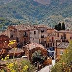 Estilo de Vida - Casas rústicas e medievais são vendidas em um vilarejo na Itália por apenas 1 euro