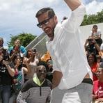 Rick Martin Abre Escola para Crianças Pobres em Porto Rico