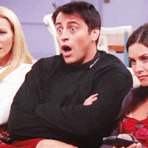 Celebridades - A quadrilha café está reunida ... Espere! faltam Chandler, Joey e Ross?!