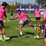 Neymar Jr. volta a treinar