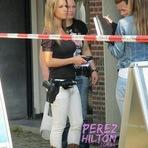 Foto de policial holandesa gata faz sucesso na internet