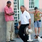Internacional - Jornal oficial cubano reconhece escassez de produtos de cuidado pessoal no país