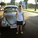 Menino de 10 anos economiza e consegue seu primeiro carro