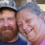 EUA: Mulher coloca fogo no marido após discussão sobre plantas do jardim!