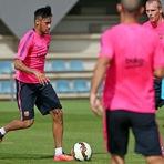 Neymar volta aos treinos