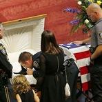 Cão da polícia dos EUA é enterrado com honras nos Estados Unidos