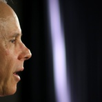 Política - Mantega nega recessão e culpa Copa, crise no exterior e seca por PIB ruim
