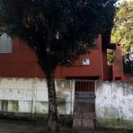 Casa de jovem investigada por injúria racial a Aranha é apedrejada no RS