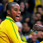 Olha quem voltou! Robinho é convocado por Dunga.