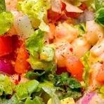 Receita: Salada Colorida de Camarão