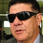 Nome de Joel Santana ganha força nos bastidores do Vasco.