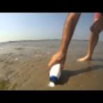 Incrível – O que acontece se colocar sal na areia da praia; veja vídeo