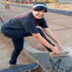 Sandra Romano - Skate Goiânia.
