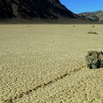 Cientistas desvendam mistério das 'pedras que andam' na Califórnia