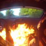 Rali: Nem o fogo faz piloto parar