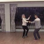 Vídeos - Senhora completa 90 anos e dança como uma jovem em seu aniversário.