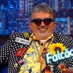 The Noite 04/09/2014 – Danilo Gentili recebe o humorista Falcão
