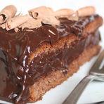 Bolo de chocolate recheado