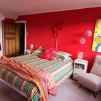 Decoração colorida para quarto de casal