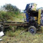 Um morre e três ficam feridos após Carro forte capotar na estrada do feijão